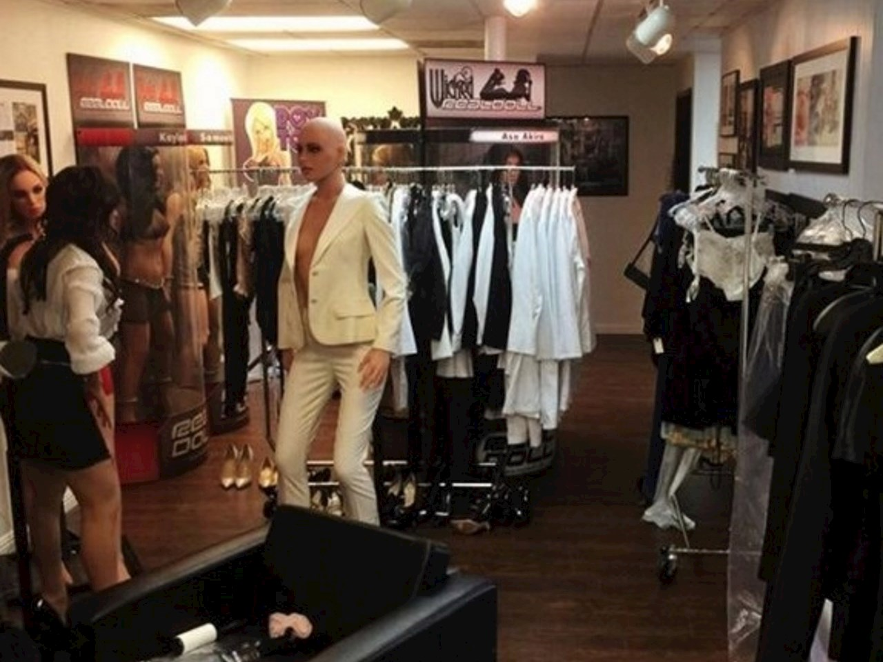 You'll never look at a mannequin at a store in the same way ever again