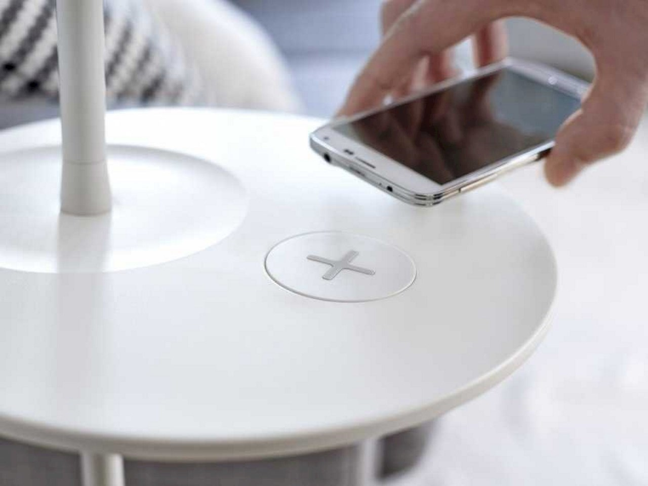 Qi wireless-charging technology in furniture